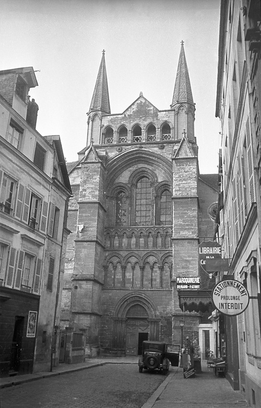 Saint-Pierre Cathedral in Lisieux, France
