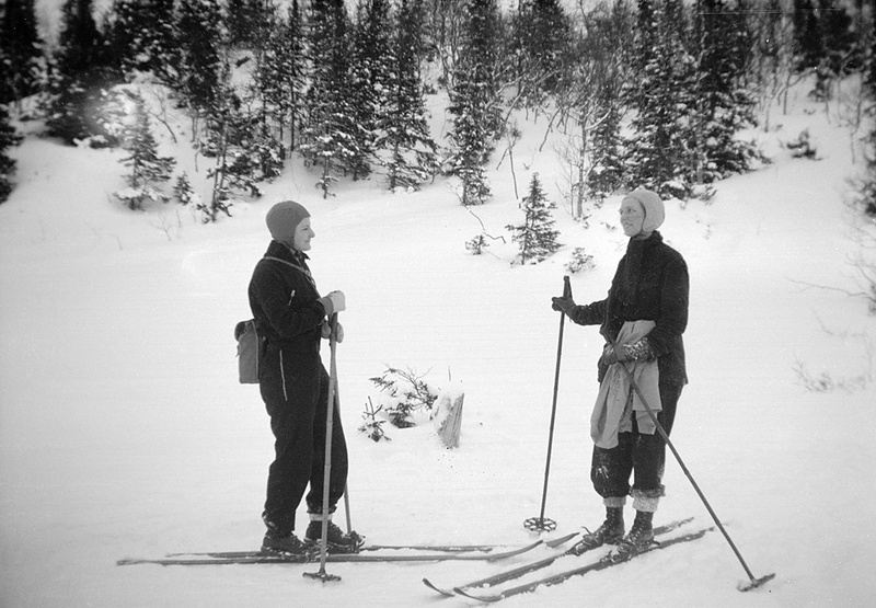 Two ladies on skis in Storlien, Jämtland, Sweden